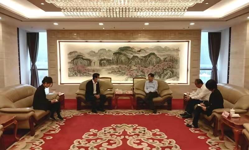 曾波会见大连腾飞软件园发展有限公司总经理温詠麟
